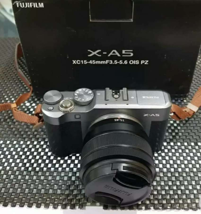 Kamera Mirrorless Fujifilm XA5 16-50mm Free memory&tas(Kamera Vlog ) 0