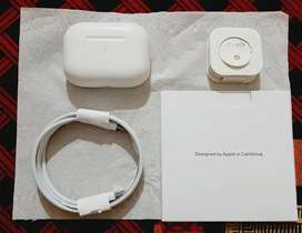 Apple airpods pro (A+ master copy) with wireless charging case.