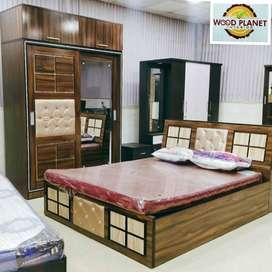 Flash Sale On Brand New Bedroom Set In Manufacturing Price