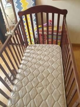 baby crib/bed/bedding