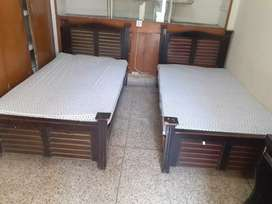 Best hostel facility for males in shadman Lahore