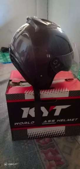Helm KYT barang masih istimewa