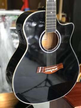 Gitar akustik elektrik black