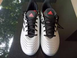 Adidas predoctor 8 size