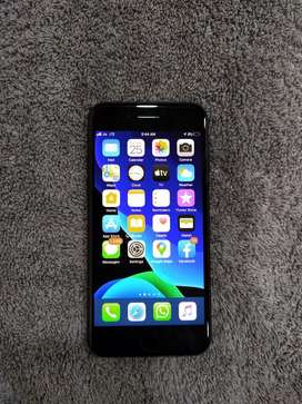 Iphone 7 32GB (jet black) Excellent Condition