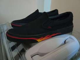 Vans wall flame size 43