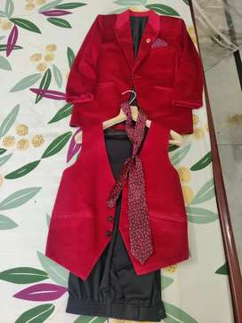 Coat pant with shirt and tie witn basket