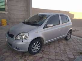 Toyota vitz. 2004 model . 1300cc . Full fresh . Sabit