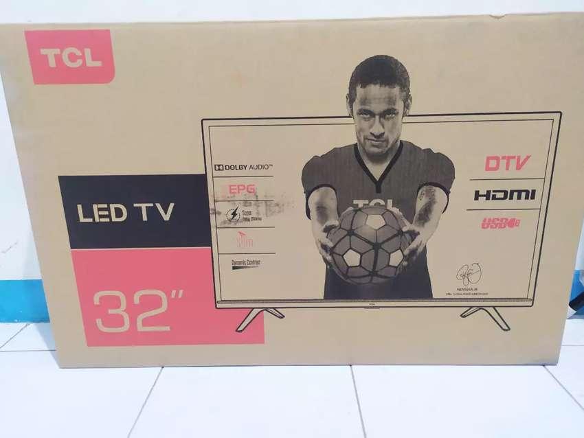 TV LED digital 32 inch baru TCL murah berkualitas 0