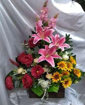 Rangkaian lily utk meja konsul
