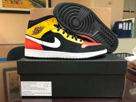 Nike Air Jordan 1 Mid Raygun Authentic