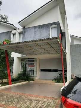 Rumah minimalis disewakan di Discovery Bintaro, Tangerang Selatan.