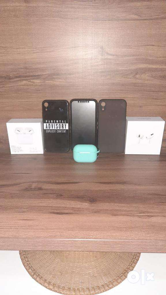Iphone XR and apple airpods pro