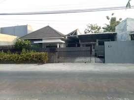 Dijual cepat ruang usaha dan rumah di Meguwoharjo Depok Sleman Yogya
