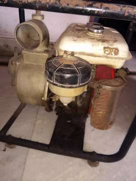 Heavy water pump