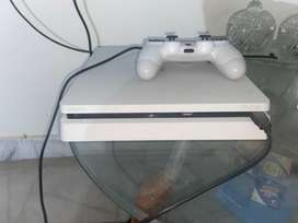Play station 4 (white edition 500GB)