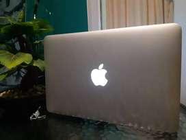 Dijual laptop apple macbook air MCg65