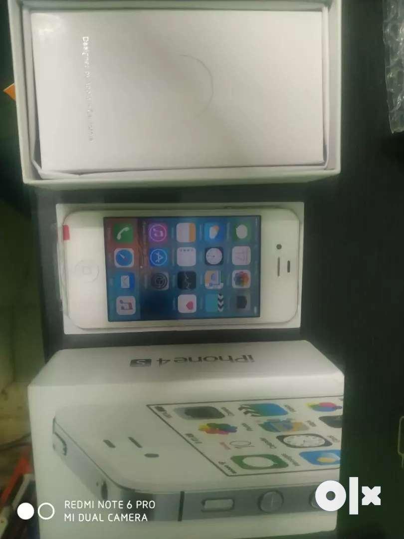 Apple 4s 16gb brand new refubish 0