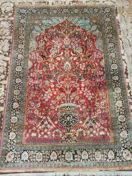 Persian Hand made/knotted carpets