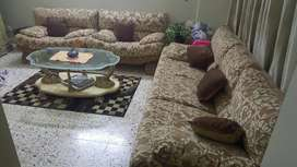 5 seater sofaset with center table