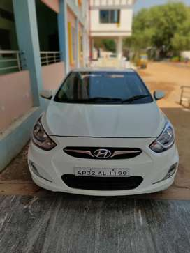 Top end model Dec 2011  Car Verna Only 600000 with good condition