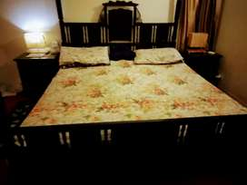 Etiquette Style Pure Wooden Bed with Mattress