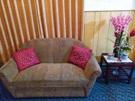 7 SEATER SOFA SET FOR SALE IN GOOD CONDITION