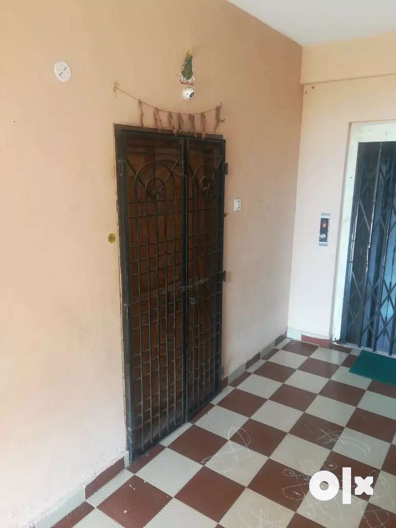 east facing triple bed room for rent 5000 0