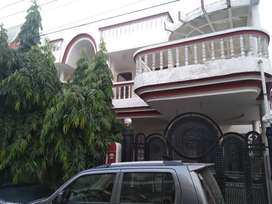 (MANSAROVAR SAKET) 350 YARD BEST KOTHI  ONLY IN 3 CRORE