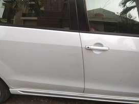 Mobil Suzuki Ertiga Dreza Putih 2017