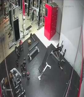 Diperlukan penjaga gym pria