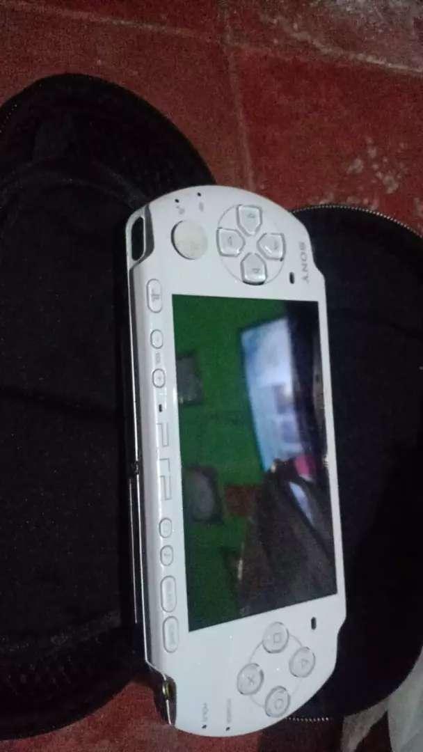 PSP slim seri 2000,3000/PSP GO mulus HDD 16gb bonus fullgame bergaansi 0