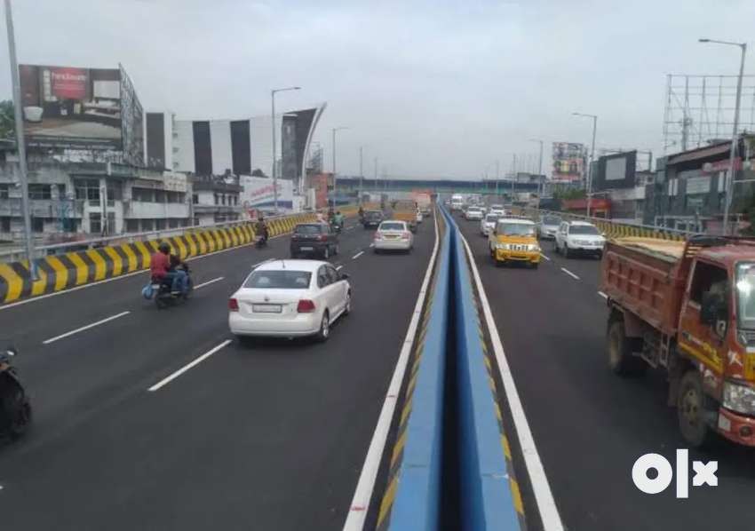 28 cents to 6 acres at vyttila kundanoor bypass front