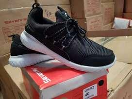 Sepatu sevenray Cortez Hitam-Putih original
