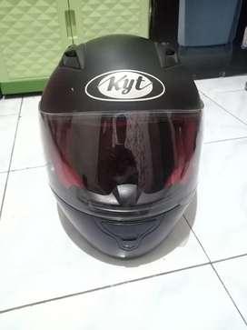 Helm fullface kyt hitam size XL
