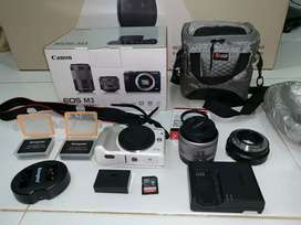 Canon Mirrorless M3 Full Set+Accessories