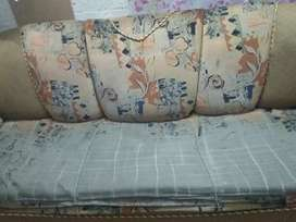 3 seater sofa sale neat condition