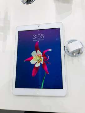 I PAD AIR 1 16GB WIFI ONLY SILVER COLOUR WITH BILL WARRANTY