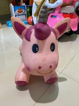 Unicorn lompat bouncing merk ELC