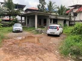 Chakaraparamb unfinishing house 5.250cent 1500sqt 85lakh