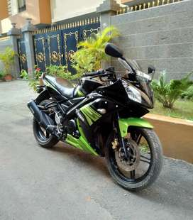 Sell Yamaha YZF R15S model look like new condition bike