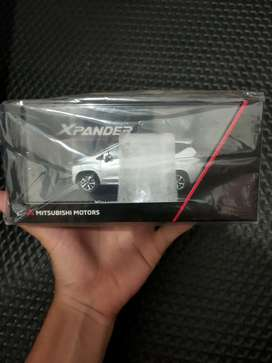 Diecast Mitsubishi Xpander skala 1:43 hanya 1 unit se-solo raya