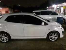 Mazda2 type R 2011 putih paling tertinggi dikelasnya