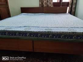 Double bed with mattress for immediate sale