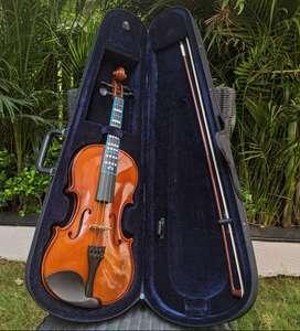 Hofner AS-045 Alfred Stingl Violin Full Size (Case & Resin included)
