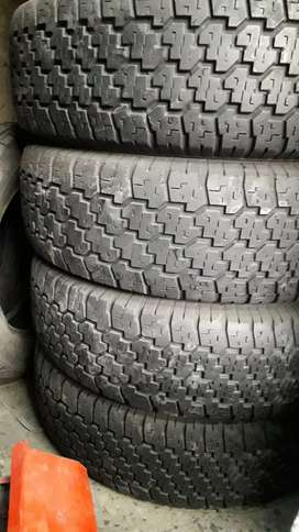SECOND HAND USED TYRES HARDLY 30% USED AVAILABLE FOR ALL VEHICLES.