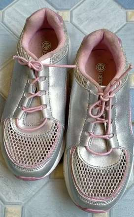 Sepatu anak merck crocodile