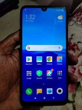 Mi y3 in good new condition only six month used
