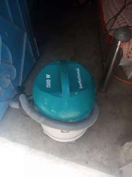 a vaccum cleaner 1500w, super national , good running, no fault