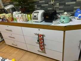Lemari meja dapur